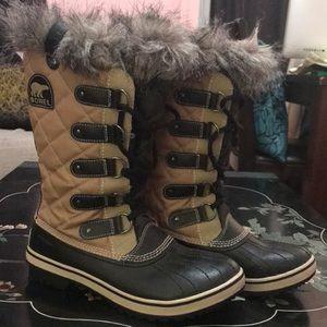 Sorel Joan of Arctic Winter Boots. Sz 9.